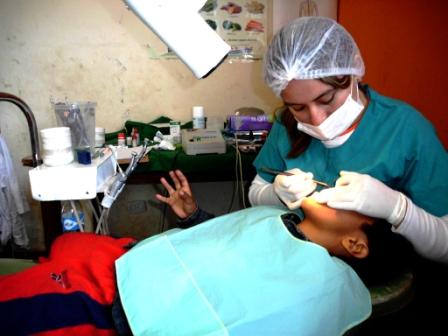 El-70%-de-odontologos-trabaja-ilegalmente-