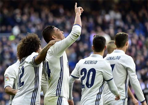 El-Real-Madrid-avasalla-al-Granada-(5-0)-e-iguala-record-de-victorias
