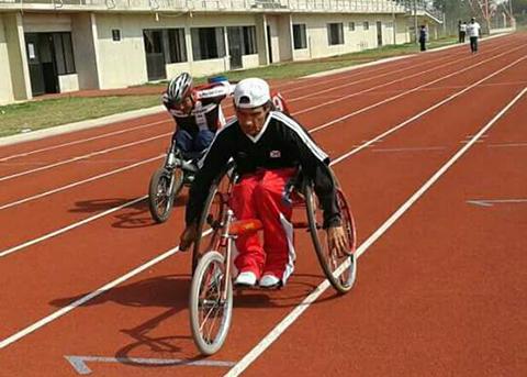 Realizan-Campeonato-de-Atletismo-sobre-silla-de-ruedas