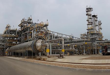 Bolivia-firma-contrato-con-Brasil-para-exportar-335-mil-toneladas-de-urea