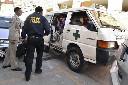 Policia-aprehende-a-13-funcionarios-de-la-CNS-investigados-por-corrupcion
