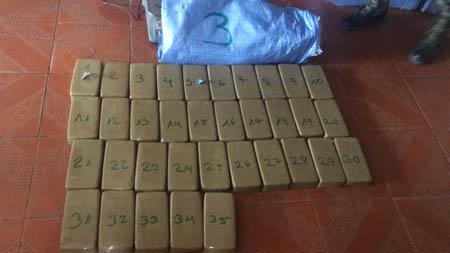Umopar-secuestra-pasta-base-de-cocaina-en-la-provincia-Ichilo