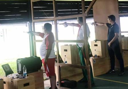 Trio-de-tiro-deportivo-se-viste-de-plata-en-Colombia