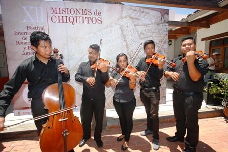 Sonaran-los-violines
