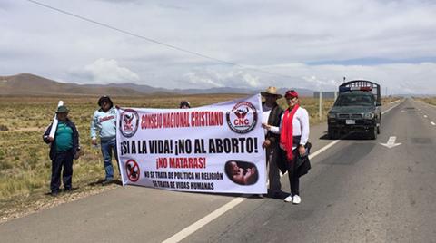 Marcha-de-evangelicos-en-contra-del-aborto-avanza-hacia-La-Paz