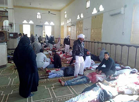 Atentado-a-mezquita-en-Egipto-deja-al-menos-235-fallecidos