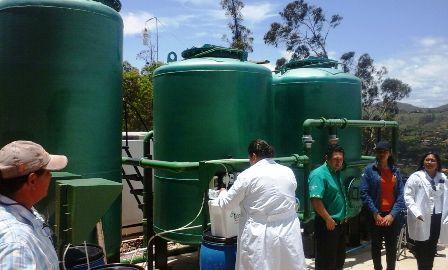 Controlan-el-agua-potable-en-Samaipata