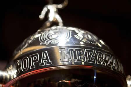 Pele-y-Maradona-seran-homenajeados-en-el-sorteo-de-la-Copa-Libertadores-2018