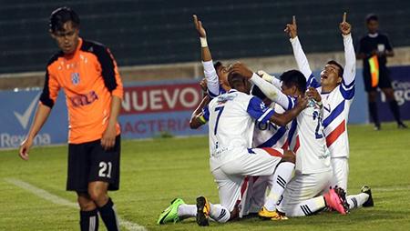 Royal-Pari-se-consagra-campeon-de-la-copa-Simon-Bolivar-y-asciende-a-la-division-profesional-del-futbol-boliviano-