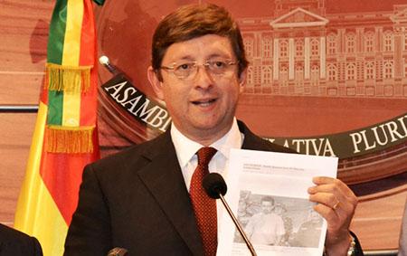 Senador-Oscar-Ortiz-dice-que-la-ministra-Gisela-Lopez-chantajea-y-extorsiona-a-los-empresarios