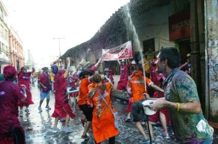 Prohiben-derroche-de-agua-en-carnaval