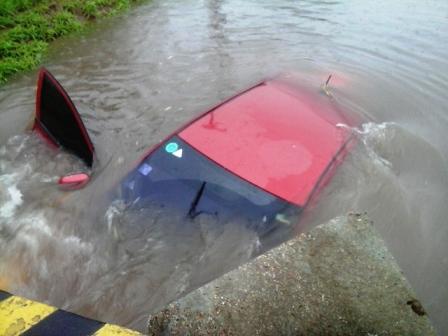 Lluvia-deja-dos-muertos-y-mas-de-50-barrios-anegados