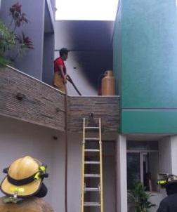 Incendio-en-motel-causa-panico-en-el-vecindario-