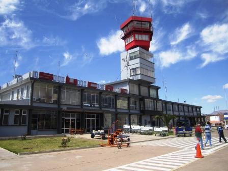 Desmantelaron-el-aeropuerto-de-Sucre