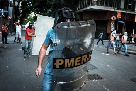 Protestas-en-rio-por-privatizacion-del-agua-
