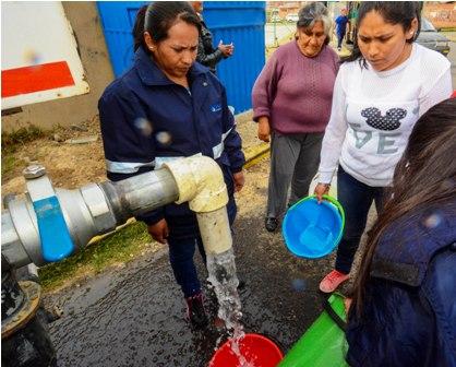 Barrios-afectados-ya-tienen-agua-por-caneria