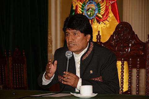 Morales-convoca-a-la-COB-a-dialogar-el-miercoles-para-tratar-aumento-salarial