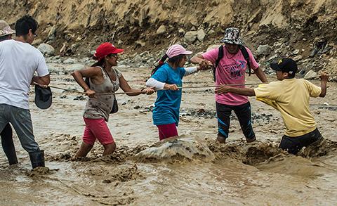 Peru-intenta-emerger-del-lodo-pero-lluvias-arrecian-en-el-norte