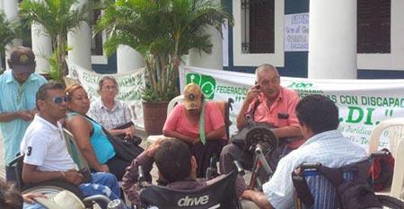 Municipios-aceptan-pagar-bono-a-discapacitados-a-partir-de-2018