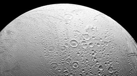 La-NASA-anuncio-que-podria-haber-vida-en-una-de-las-lunas-heladas-de-Saturno