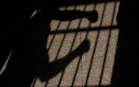 Juez-dicta-detencion-preventiva-para-joven-acusado-de-violar-a-su-madre