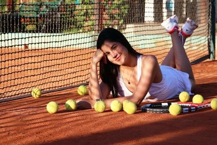 El-Club-de-Tenis-eligio-a-Jimena-como-su-soberana--