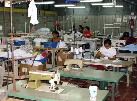 Los-textileros-apoyan-que-se-prohiba-la-venta-de-ropa-usada