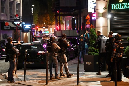 Un-policia-asesinado-y-dos-heridos-tras-tiroteo-en-Paris