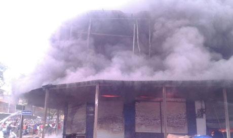 Cuatro-negocios-se-incendian-en-Guayaramerin