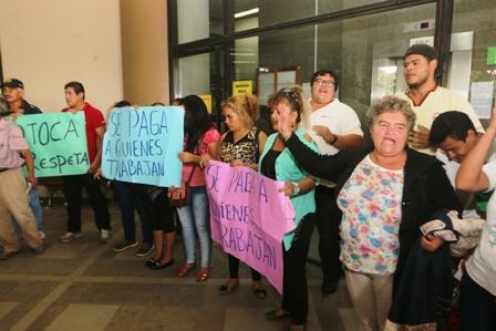 Pobladores-protestan-en-defensa-del-alcalde-
