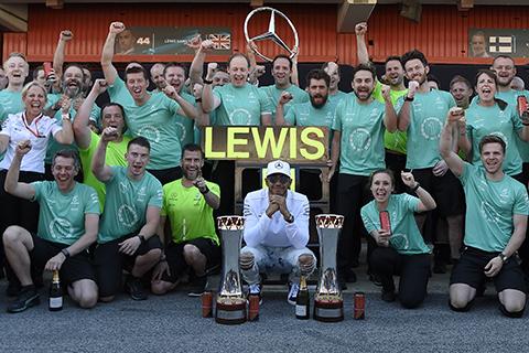 Hamilton-gana-el-pulso-a-Vettel-y-logra-el-Gran-Premio-de-Espana