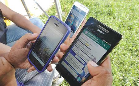 Facebook-y-whatsapp-acaparan-el-uso-de-redes-sociales-en-Bolivia