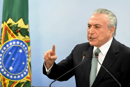 Escandalo-de-sobornos-sume-a-Brasil-en-su-peor-crisis