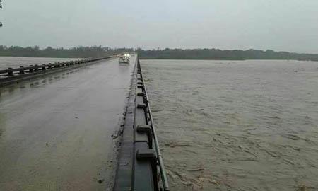 Niveles-historicos-en-crecida-de-rios-por-lluvias-de-mas-de-30-horas-en-Santa-Cruz