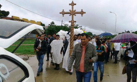 Concluye-recorrido-con-la-Cruz-Misional
