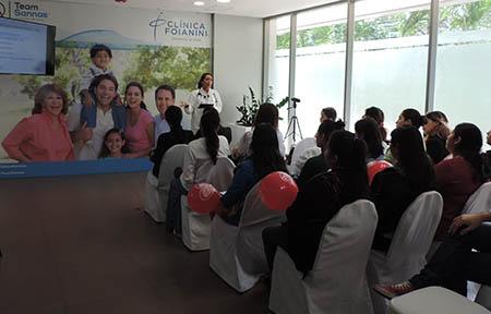 Jornada-informativa-para-las-madres-en-la-Foianini