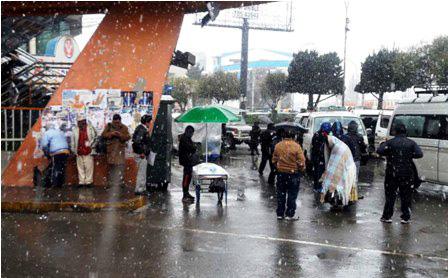 Copiosa-nevada-paralizo-algunos-servicios-en-La-Paz