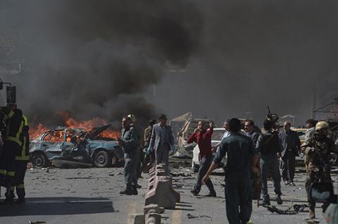 Al-menos-80-muertos-y-mas-de-300-heridos-por-atentado-en-Kabul