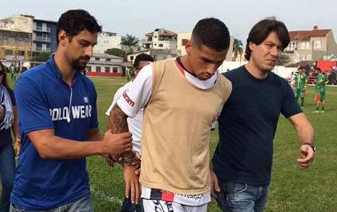 Detienen-en-pleno-partido-a-futbolista-brasileno-Marlon-Natanael-