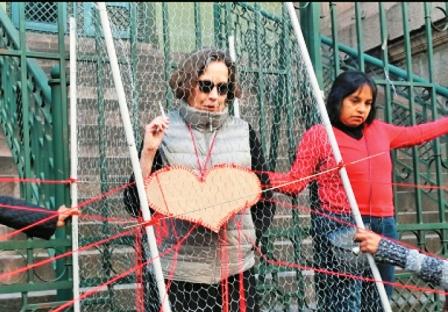 Expareja-de-Garcia-Linera-sale-a-protestar