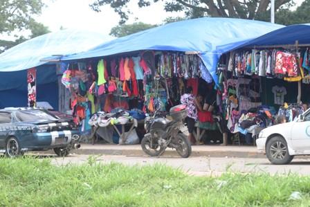Gobierno-niega-que-haya-ley-para-decomisar-ropa-usada