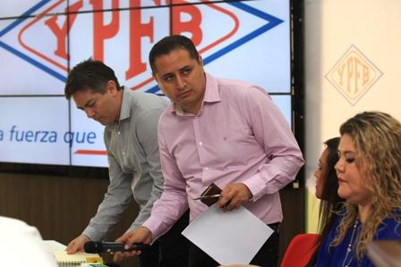 Acha-se-va-de-la-presidencia-de-YPFB-por-caso-taladros