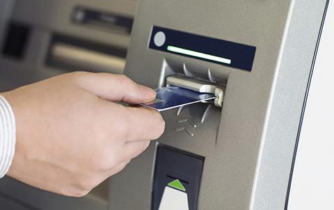 Detienen-a-tres-personas-acusadas-de-clonar-tarjetas-de-credito