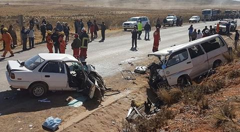 Al-menos-cinco-fallecidos-por-colision-en-via-La-Paz-Desaguadero
