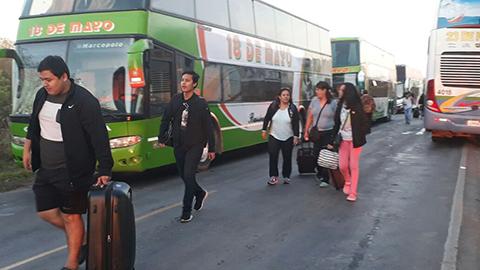 Pobladores-bloquean-ruta-a-Puerto-Suarez-