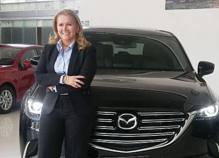 La--mujer-que-sabe--vender-autos