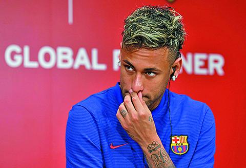 El-PSG-pagara-la-clausula-de-rescision-de-Neymar,-afirma-television-brasilena