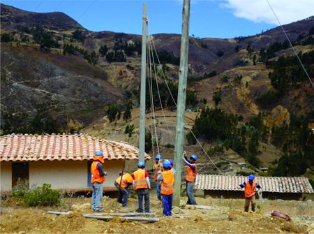 Programa-de-electrificacion-beneficia-a-19.000-familias