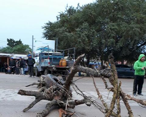 Campesinos-bloquean-ruta-a-Yacuiba
