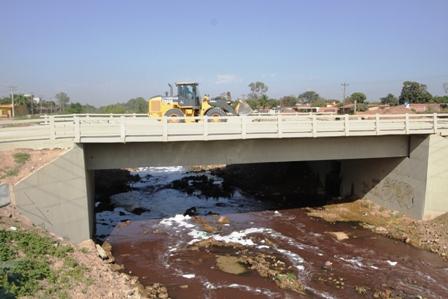 Desde-hoy-habilitan-puente-en-el-barrio-Julio-Leigue